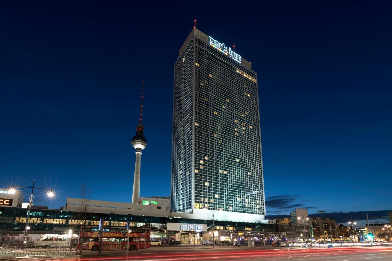 Park Inn Berlin Alexanderplatz 4*