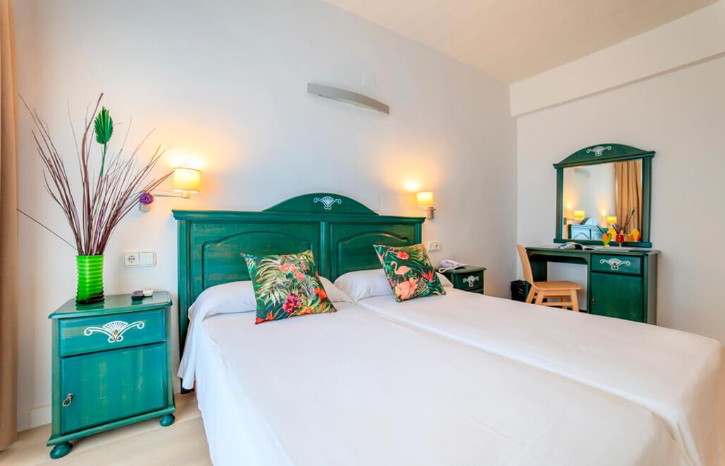 Habitación Doble Hotel Levante Medio Maratón Formentera Travelmarathon.es