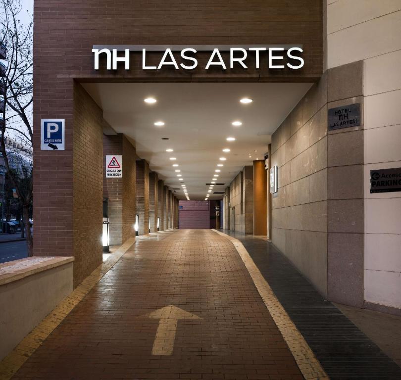 Puerta NH Valencia Las Artes Medio Maratón Valencia Travelmarathon.es